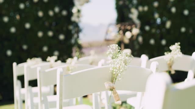vídeos de stock, filmes e b-roll de os assentos estão prontos para serem preenchidos - casamento