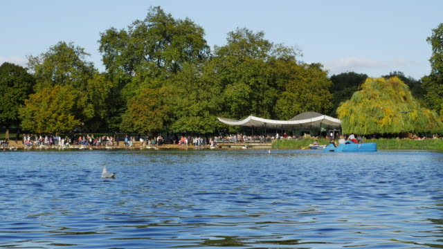 The Serpentine Lake In London Hyde Park (UHD) video