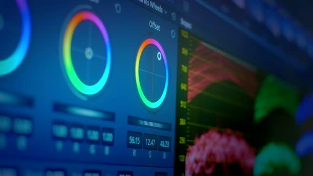 映画やテレビでのカラーグレーディングビデオのためのソフトウェアインターフェイス。写真やビデオのためのプロのポストプロダクション。画像の色補正。 - 編集者点の映像素材/bロール