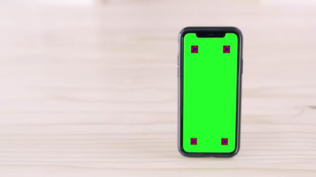 スタンドアップとテイク通知アプリ - テーブル 無人のビデオ点の映像素材/bロール
