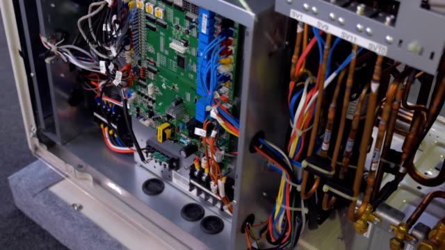strukturera av industriella luftkonditioneringen inne - ventilation bildbanksvideor och videomaterial från bakom kulisserna