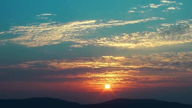 The sun rising time lapse