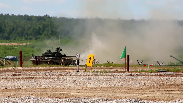 Kubinka, RUSSIA. Forum Army-2015. - June 18, 2015:  The   tank T-80U firing video