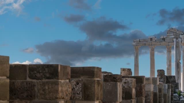 the temple of apollon side turkey - archeologia video stock e b–roll