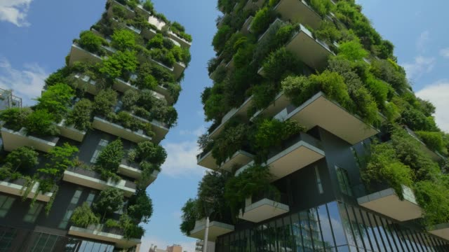the vertical forest, two residential towers in milan, italy. steadicam shot - obficie ulistniony filmów i materiałów b-roll