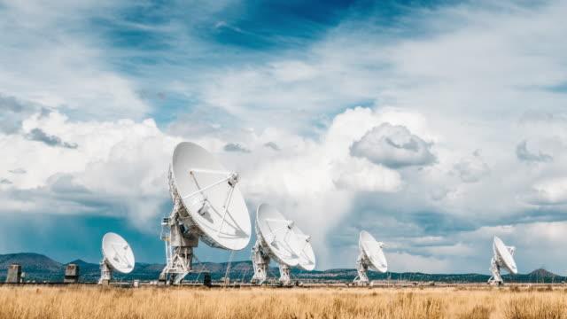 den mycket large arrayen i new mexico - satellit bildbanksvideor och videomaterial från bakom kulisserna