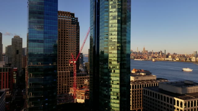 The view of the Manhattan from New Jersey, over the Hudson River, before a sunset. Mobile video. video