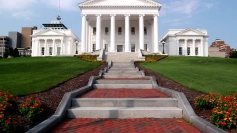 vídeos de stock e filmes b-roll de o capitólio do estado de virgínia - capitais internacionais
