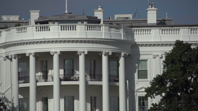 stockvideo's en b-roll-footage met the white house in washington dc - white house