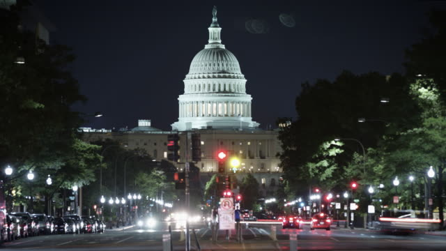 белый дом промежуток времени в ночное время. - white house стоковые видео и кадры b-roll