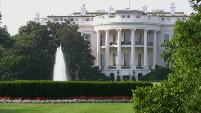 stockvideo's en b-roll-footage met the white house, washington dc--hd - white house