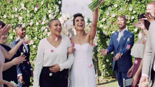 vídeos de stock, filmes e b-roll de suas vidas estão prestes a ser preenchidas de felicidade - casamento