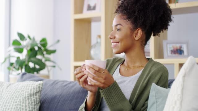 vídeos y material grabado en eventos de stock de siempre hay tiempo para el café - café bebida