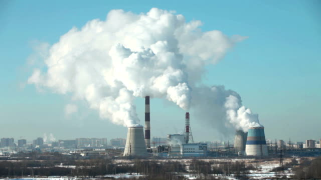 thermal power station time lapse - centrale termoelettrica video stock e b–roll