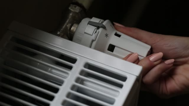 Thermostatic head is the best way to control the amount of heat and the amount of heat it has to reach our heater.