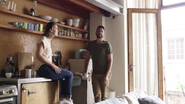tycker det är dags att expandera? - apartment bildbanksvideor och videomaterial från bakom kulisserna