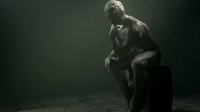 , der Mann, der vom Rodin vergrößern. – Video
