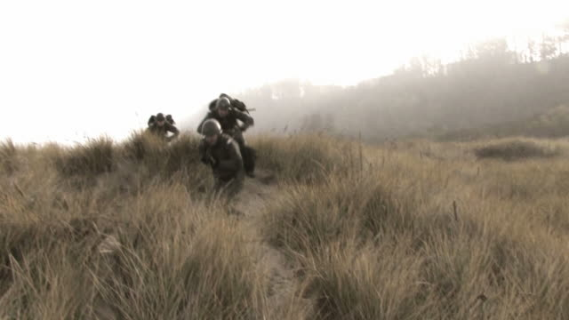 this is war soldiers running HD video