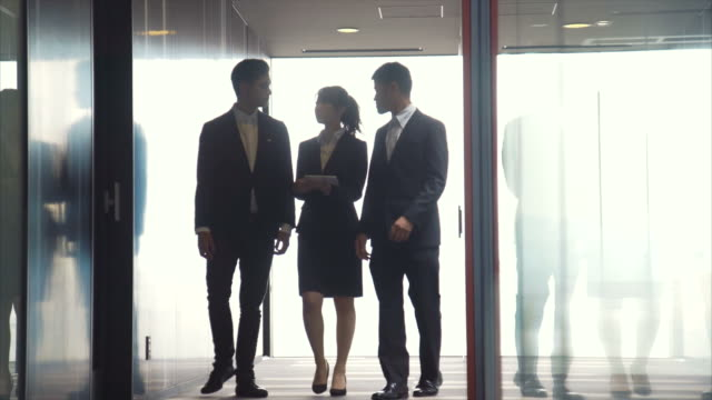3 起業家説明会 - ビジネスマン点の映像素材/bロール