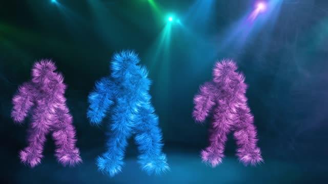 tre roliga hårig färgstarka karaktärer dans på blå bakgrund - abstract silhouette art bildbanksvideor och videomaterial från bakom kulisserna