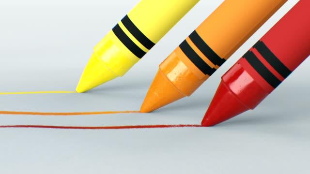 tre pastelli di cera che disegnano linee su carta chiara sono ravvicinati. animazione 3d in loop. processo di scrittura e disegno astratto. concetto di arte e design. - matita colorata video stock e b–roll