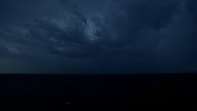 Thunderstrom video