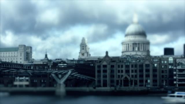 Tilt Shift: St. Paul's Cathedral, London, timlapse video