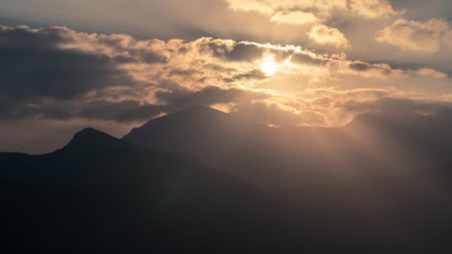 timalapse 협곡에 일출의 - oman 스톡 비디오 및 b-롤 화면