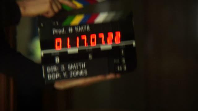 시간 코드 슬레이트 - 영화 촬영 스톡 비디오 및 b-롤 화면