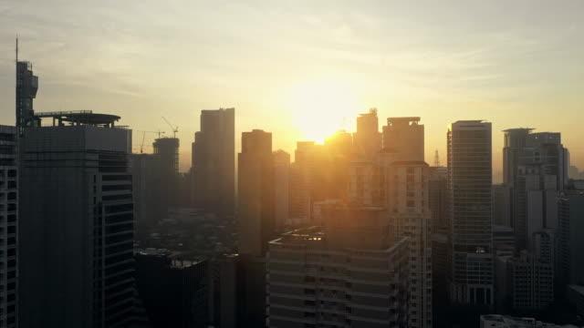 è ora che la città saluti il sole - filippino video stock e b–roll