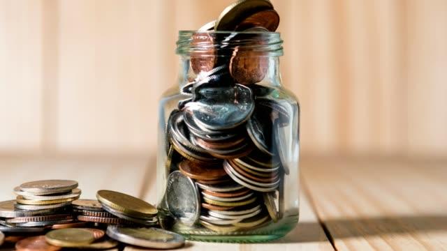 時間経過 4 k 破産と投資の概念 - 経済破綻点の映像素材/bロール