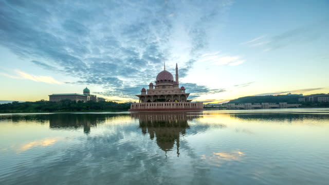 Time lapse 4k Footage of dramatic Sunrise At Putra Mosque, Putrajaya. video