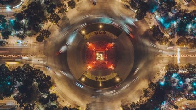 vidéos et rushes de vue aérienne de angel de la independencia dans l'avenue reforma, mexico city - rond point