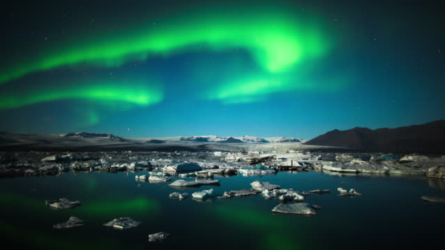 Time Lapse: Aurora Borealis over Jokulsarlon - Iceland video