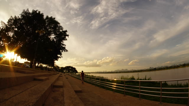 time lapse : beautiful sunset along mekong river - white background filmów i materiałów b-roll