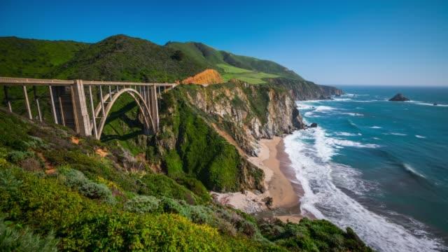 vídeos de stock e filmes b-roll de time lapse: bixby bridge, big sur, california, usa - estrada 001