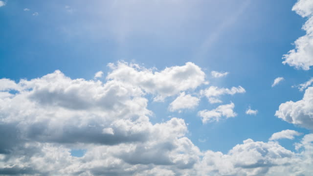 4K Time lapse : Blue sky with cloud in season summer