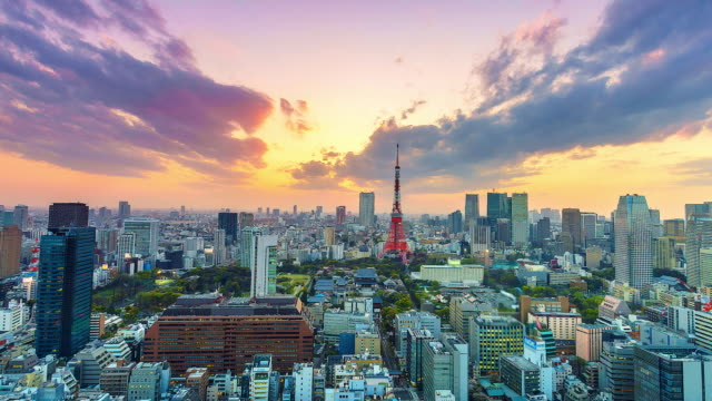 stockvideo's en b-roll-footage met 4 k. time lapse cityscape op stad tokio met tokyo tower in japan - japan