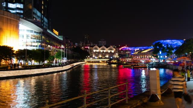 Time lapse Clarke Quay riverbank night