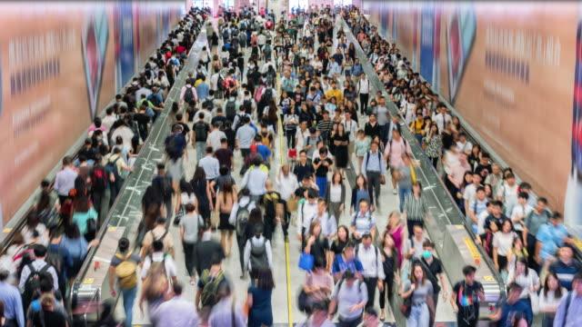 time lapse crowd of pedestrian walking in subway - большая группа людей стоковые видео и кадры b-roll