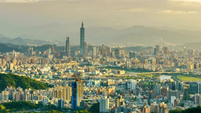 4K Time lapse - Day to night of Taipei city skyline, Taiwan video