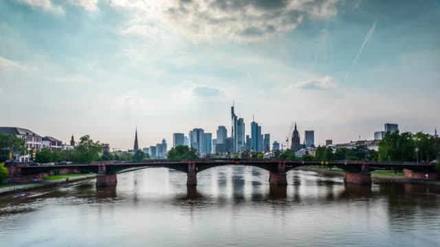 time lapse: frankfurt skyline - germany - francoforte sul meno video stock e b–roll
