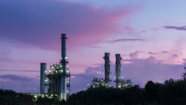 vídeos y material grabado en eventos de stock de tiempo lapso turbina de gas planta de energía eléctrica en la mañana - generadores