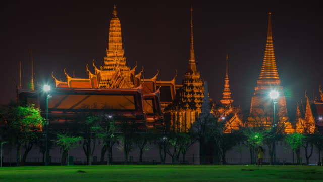 Time Lapse : Grand palace night-cap in Bangkok, Thailand video