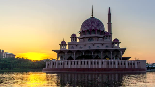 Time lapse hd Footage of Beautiful Sunrise At Putra Mosque, Putrajaya video