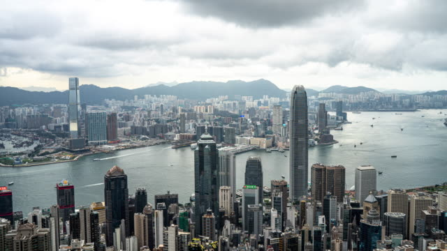 Time lapse : Hong Kong, a city of businessmen and investors