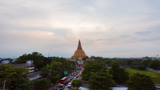 4K Time Lapse : Landmark Golden pagoda Phra Pathom Chedi of Nakhon Pathom province Asia Thailand video