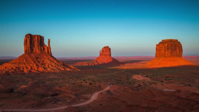 Time Lapse : Monument Valley at sunset - Day to Night video