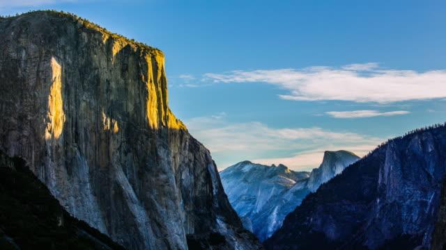 Time Lapse - Morning Sunrise on El Capitan -4K video