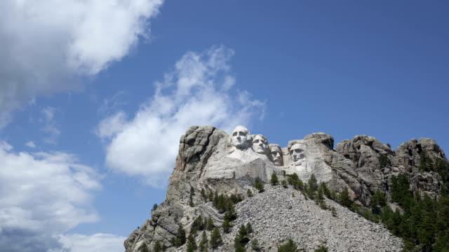 vídeos y material grabado en eventos de stock de lapso de tiempo del monte rushmore presidentes - mount rushmore